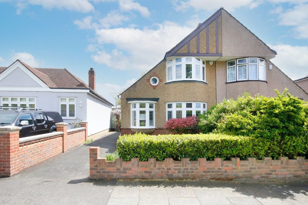 3 bed house for sale in The Oval, Sidcup, DA15 - Property Image 1