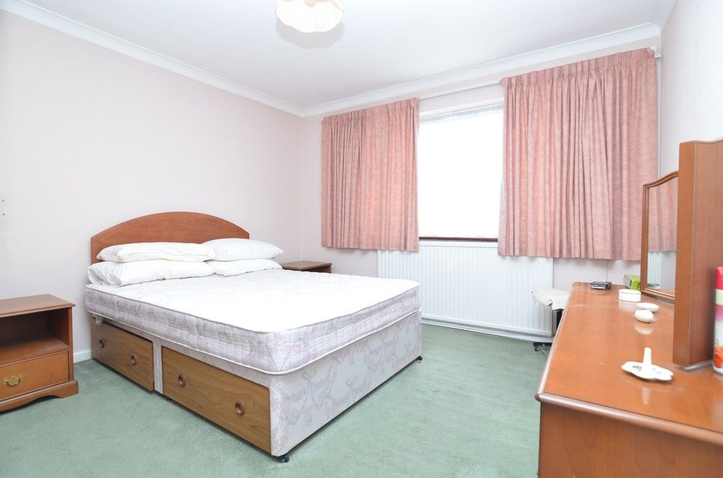 3 bed house for sale in Maiden Erlegh Avenue, Bexley, DA5  - Property Image 6