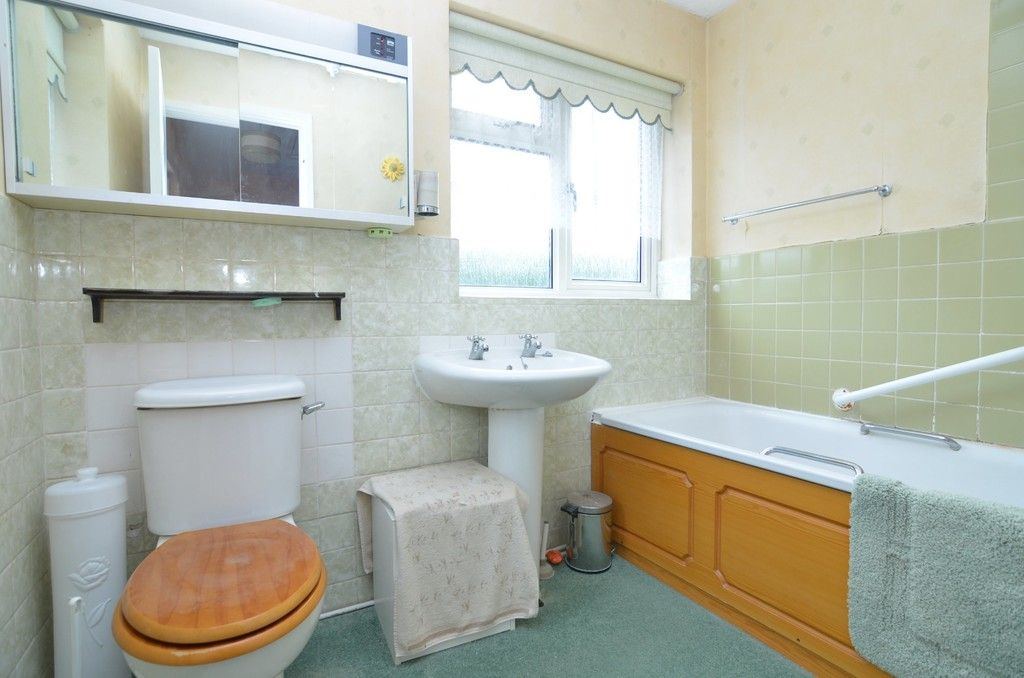 3 bed house for sale in Maiden Erlegh Avenue, Bexley, DA5  - Property Image 7