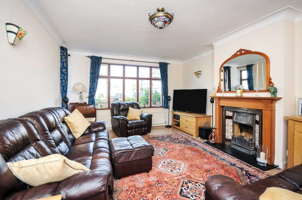 5 bed house for sale in Faraday Avenue, Sidcup, DA14  - Property Image 2