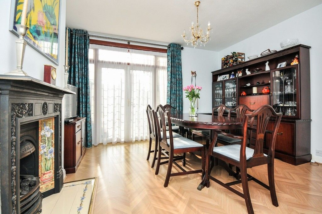 5 bed house for sale in Faraday Avenue, Sidcup, DA14  - Property Image 3