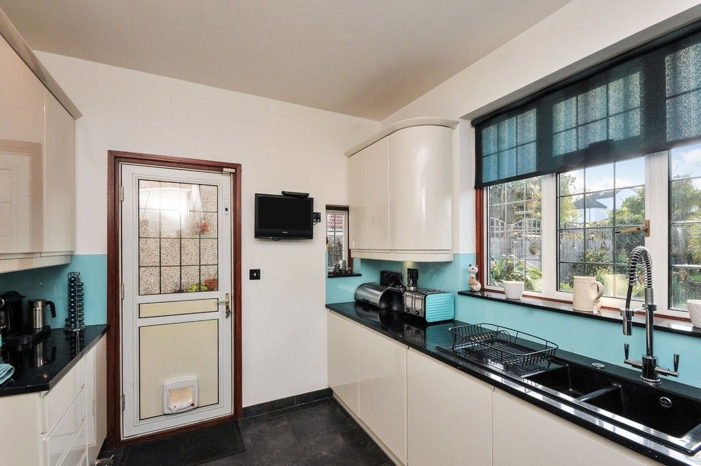 5 bed house for sale in Faraday Avenue, Sidcup, DA14  - Property Image 10