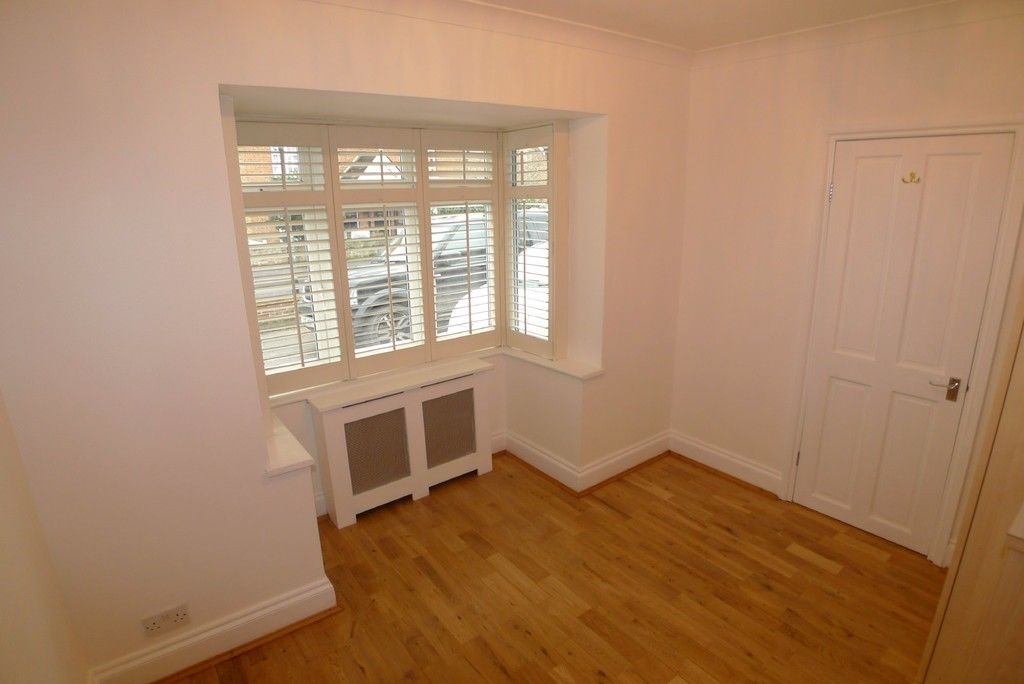 3 bed bungalow to rent in Burnt Oak Lane, Sidcup, DA15 13