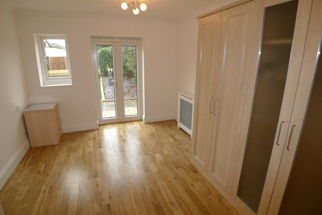 3 bed bungalow to rent in Burnt Oak Lane, Sidcup, DA15 14