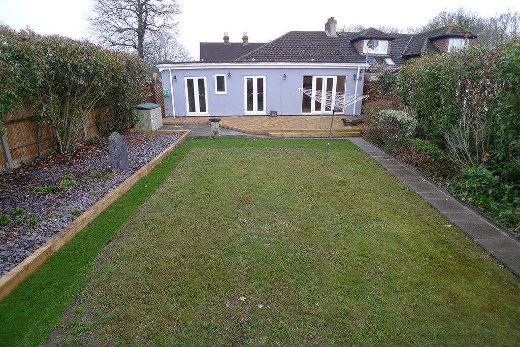 3 bed bungalow to rent in Burnt Oak Lane, Sidcup, DA15 17