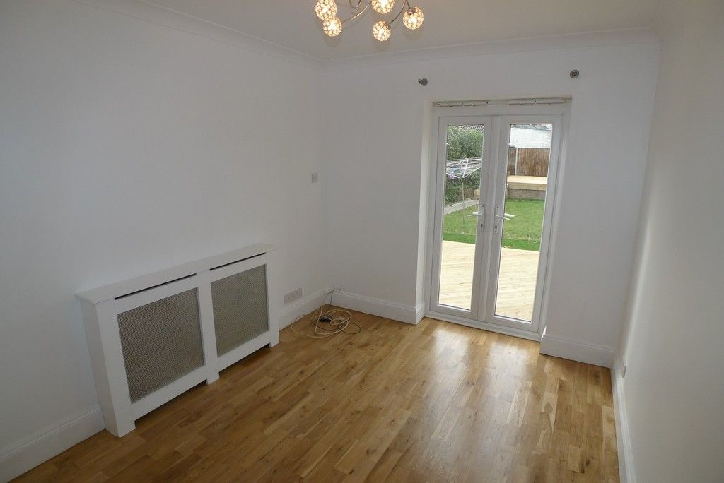 3 bed bungalow to rent in Burnt Oak Lane, Sidcup, DA15 18