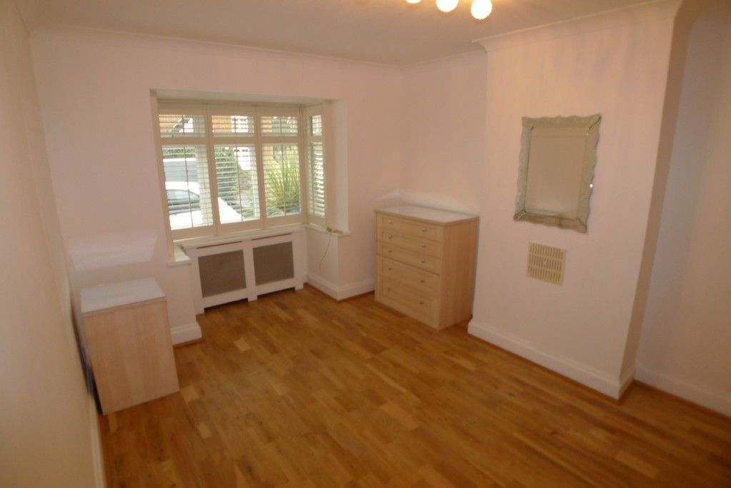 3 bed bungalow to rent in Burnt Oak Lane, Sidcup, DA15 5