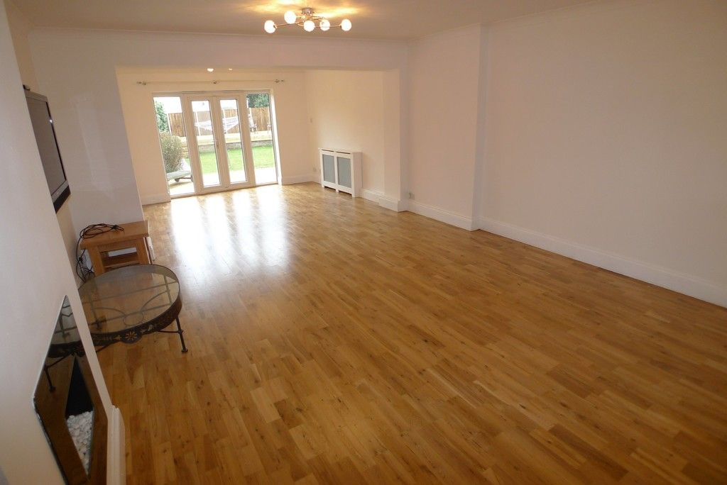 3 bed bungalow to rent in Burnt Oak Lane, Sidcup, DA15 8