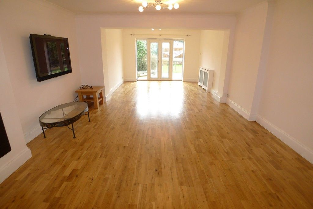 3 bed bungalow to rent in Burnt Oak Lane, Sidcup, DA15 9