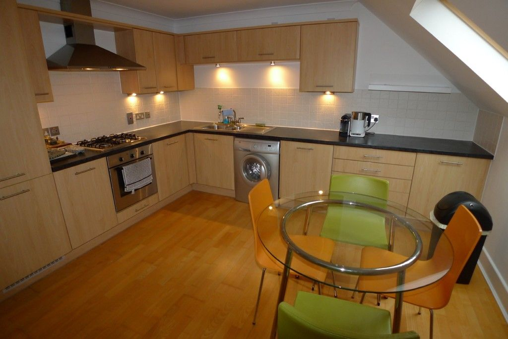 2 bed flat to rent in Carlton Road, Sidcup, DA14 3