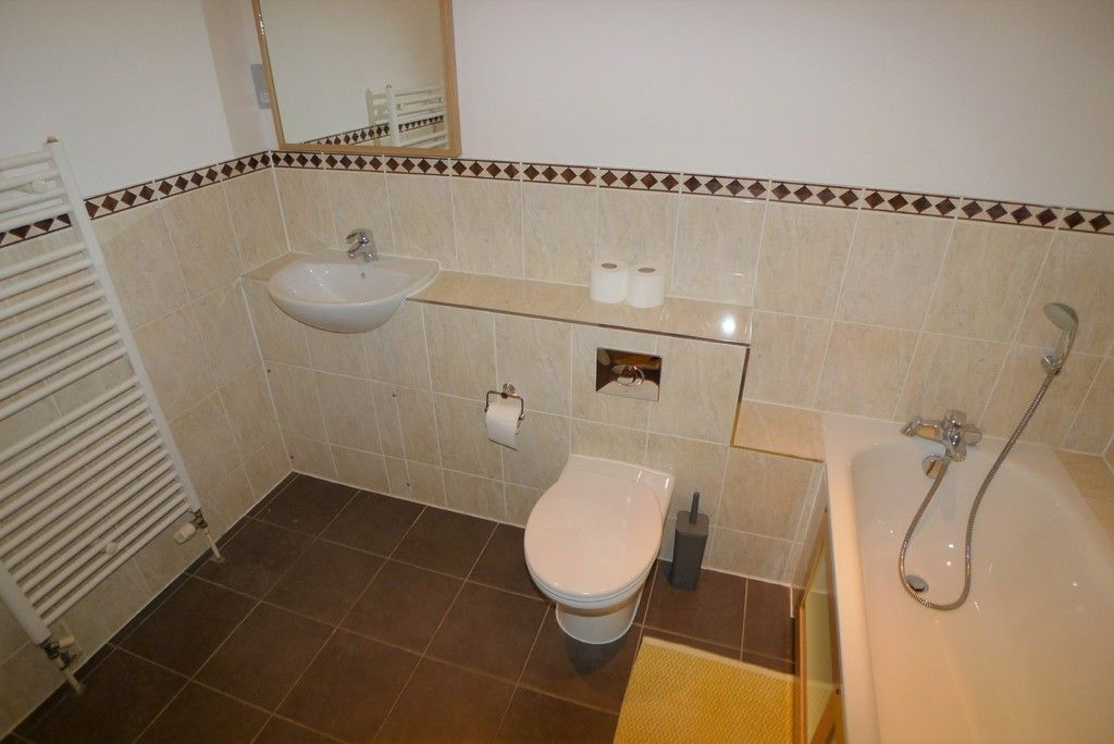 2 bed flat to rent in Carlton Road, Sidcup, DA14 5