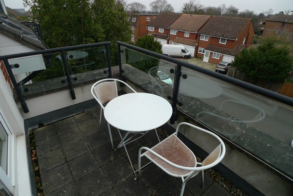 2 bed flat to rent in Carlton Road, Sidcup, DA14 6