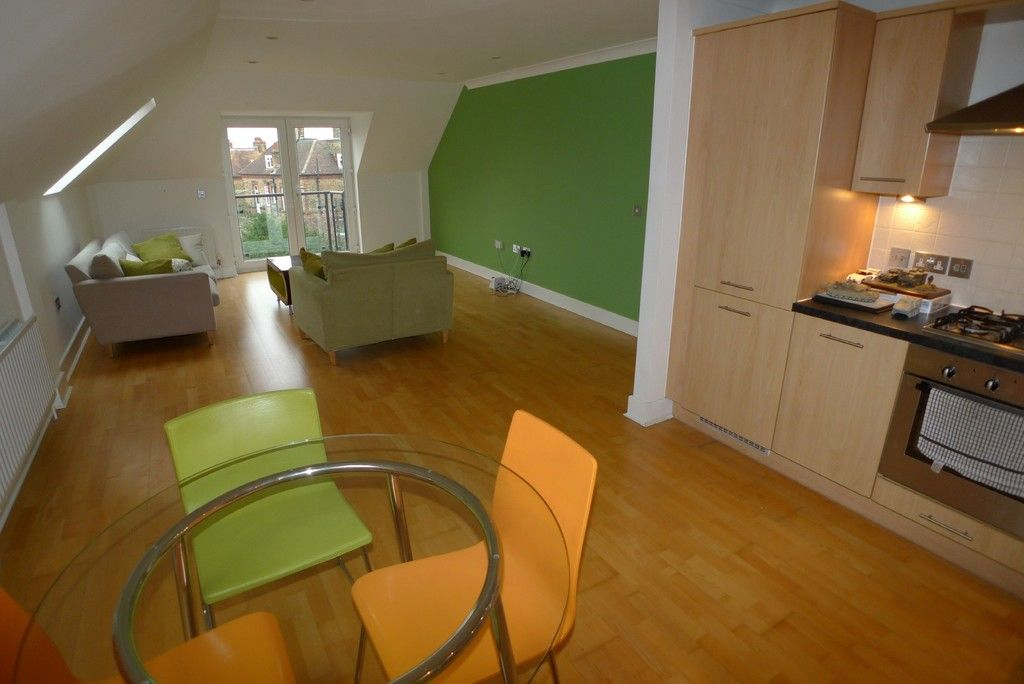 2 bed flat to rent in Carlton Road, Sidcup, DA14 9