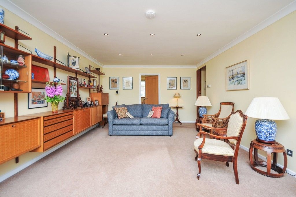4 bed house for sale in Kingsmead Close, Sidcup, DA15  - Property Image 2