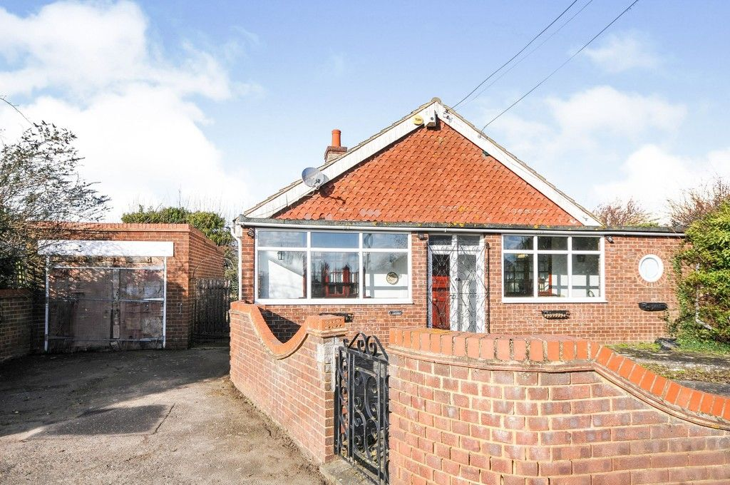 3 bed bungalow for sale in Arnolds Lane, Sutton At Hone, DA4, DA4