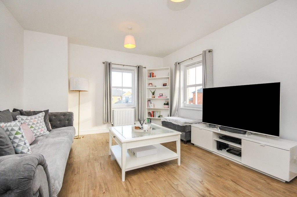 1 bed flat for sale in Garnet Road, Erith, DA8  - Property Image 2