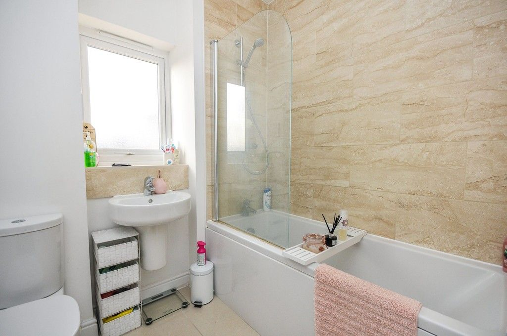1 bed flat for sale in Garnet Road, Erith, DA8  - Property Image 5