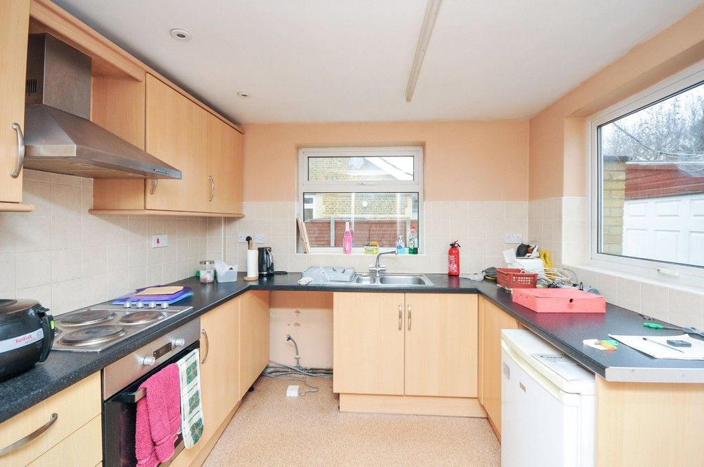 2 bed bungalow for sale in Suffolk Road, Sidcup, DA14  - Property Image 4