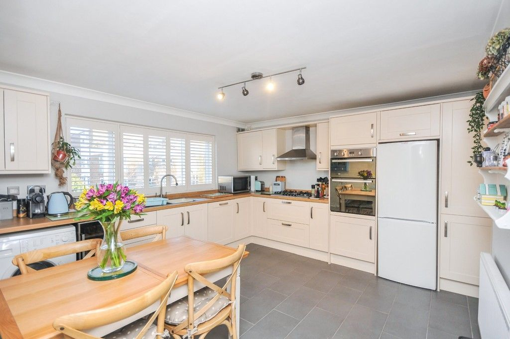 2 bed flat for sale in Belton Road, Sidcup, DA14  - Property Image 3