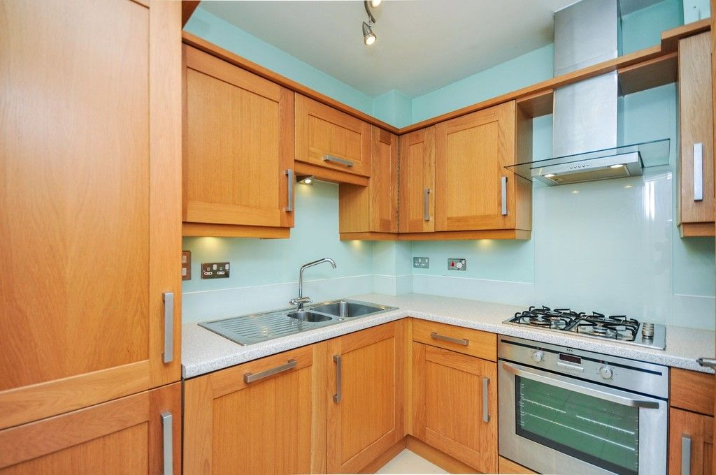 2 bed flat for sale in Wansunt Road, Bexley, DA5  - Property Image 3