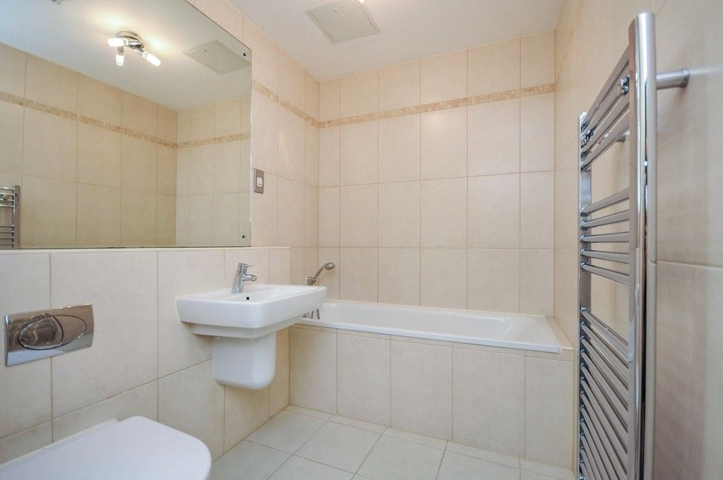 2 bed flat for sale in Wansunt Road, Bexley, DA5  - Property Image 5