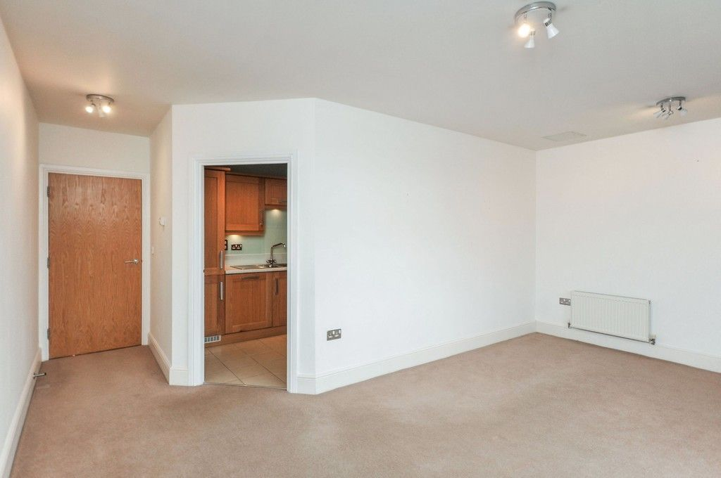 2 bed flat for sale in Wansunt Road, Bexley, DA5  - Property Image 8