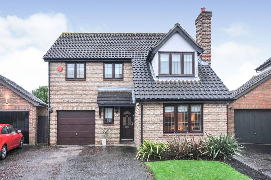 4 bed house for sale in Maple Leaf Drive, Sidcup, DA15, DA15