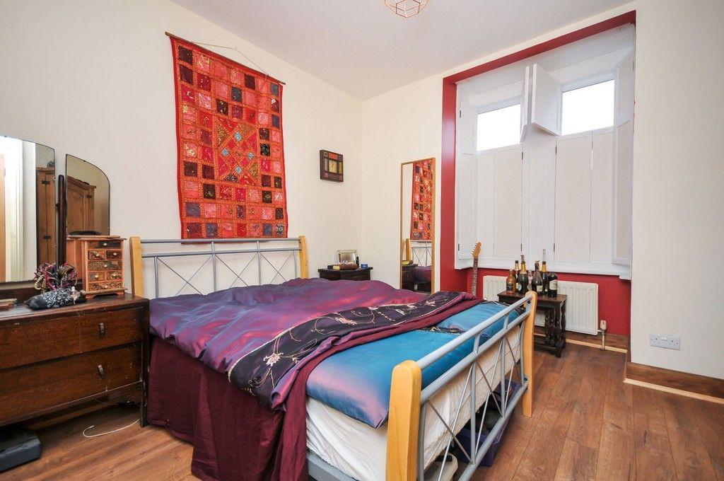 2 bed flat for sale in Blanmerle Road, Eltham, SE9  - Property Image 4