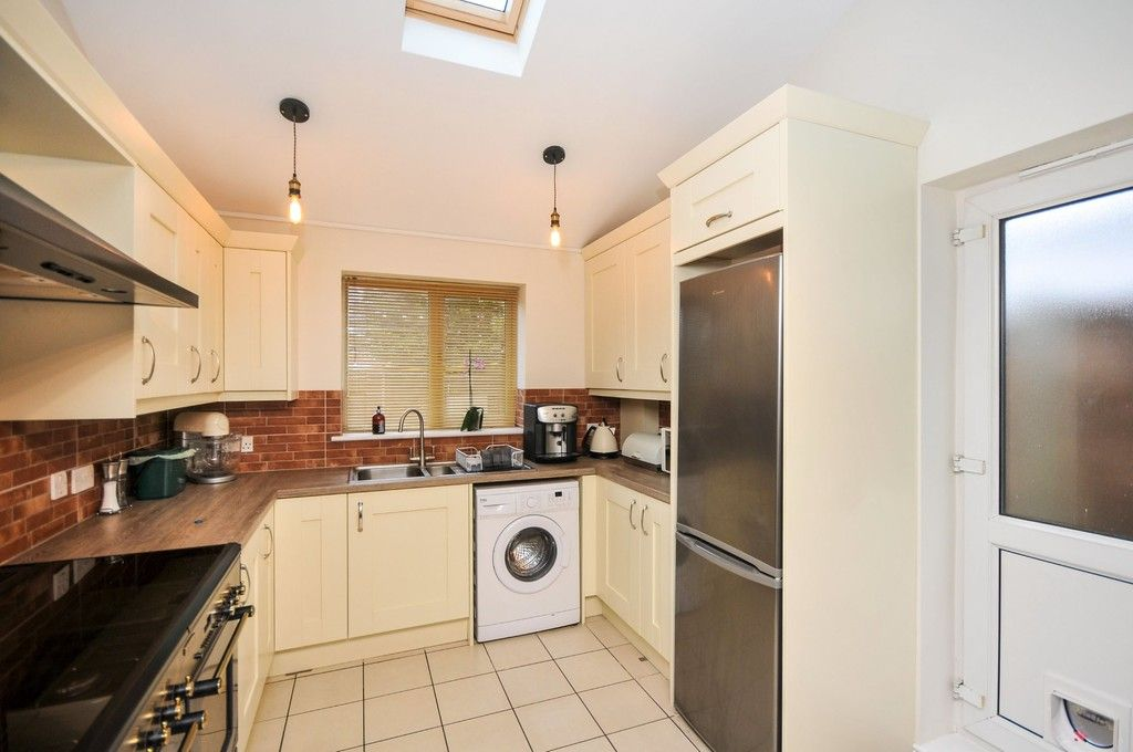 2 bed flat for sale in Blanmerle Road, Eltham, SE9  - Property Image 9