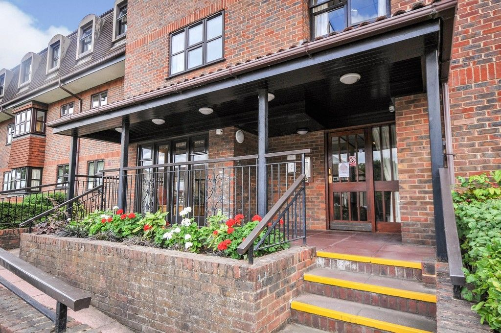 2 bed flat for sale in Hatherley Crescent, Sidcup, DA14  - Property Image 14