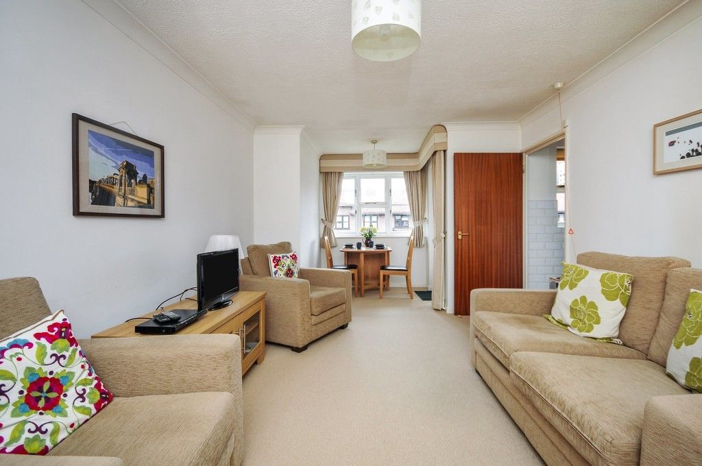 2 bed flat for sale in Hatherley Crescent, Sidcup, DA14  - Property Image 6