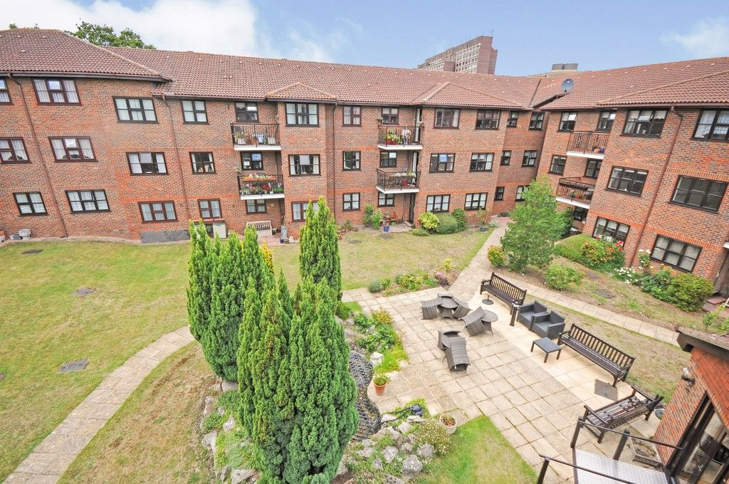 2 bed flat for sale in Hatherley Crescent, Sidcup, DA14  - Property Image 10