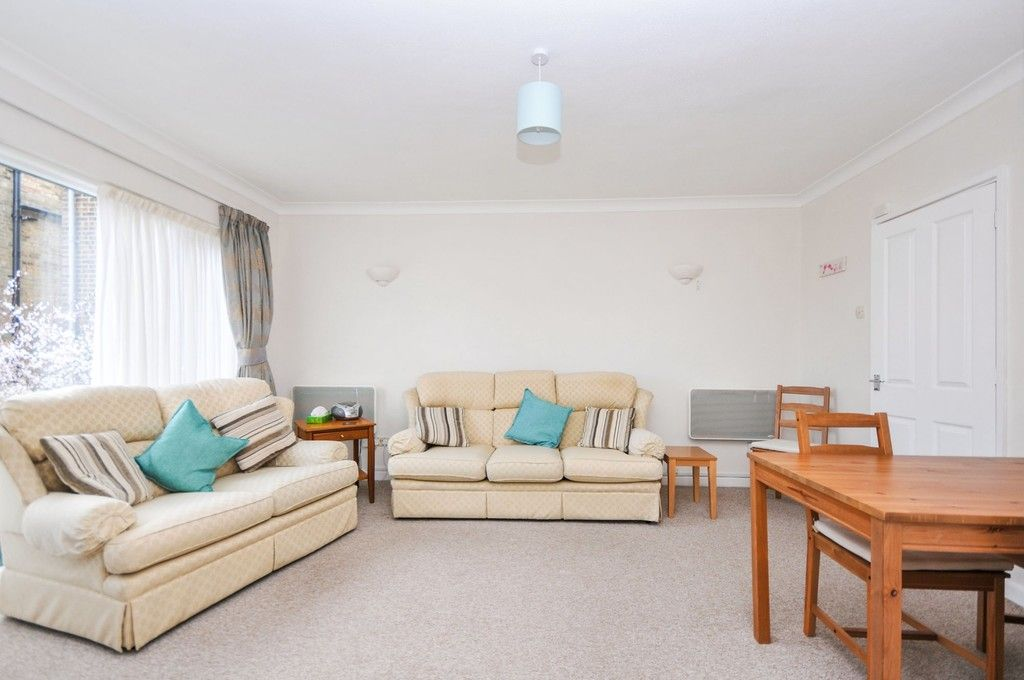 2 bed flat for sale in Granville Road, Sidcup, DA14  - Property Image 1