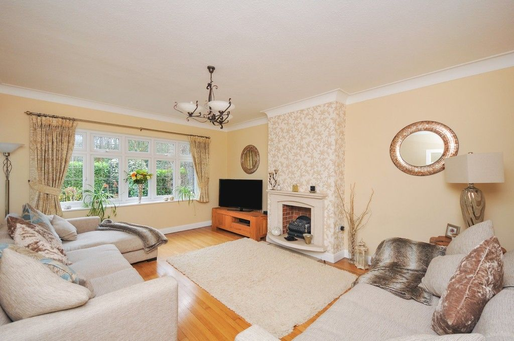 5 bed house for sale in Bexley Lane, Sidcup, DA14  - Property Image 2