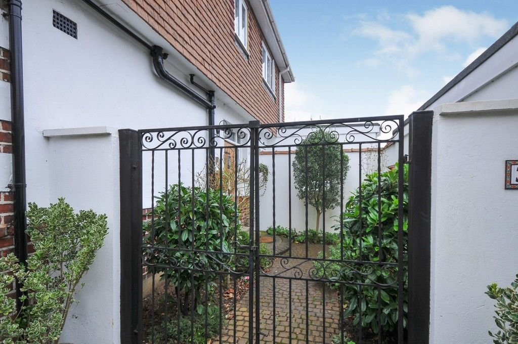 5 bed house for sale in Bexley Lane, Sidcup, DA14  - Property Image 20