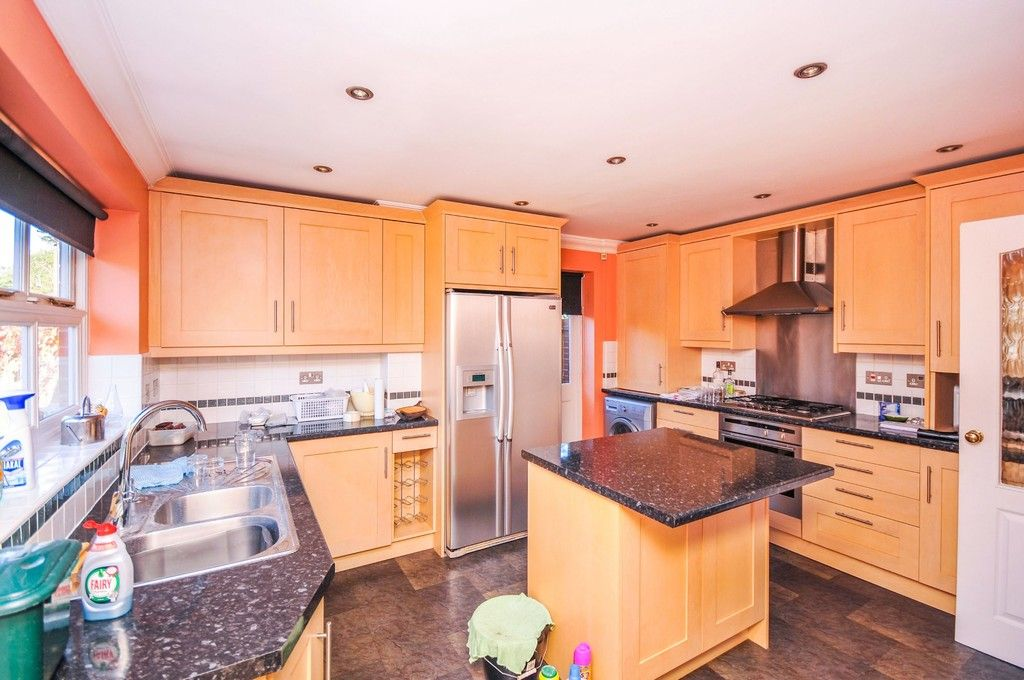 4 bed house for sale in Marrabon Close, Sidcup, DA15  - Property Image 5