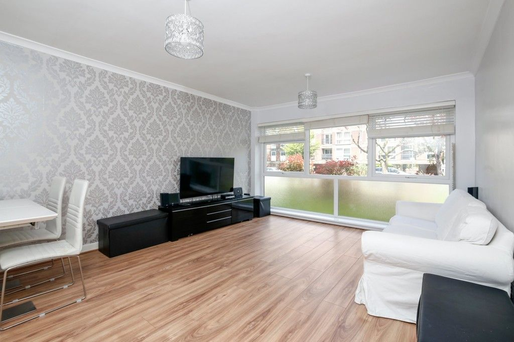 2 bed flat for sale in Manor Road, Sidcup, DA15  - Property Image 2