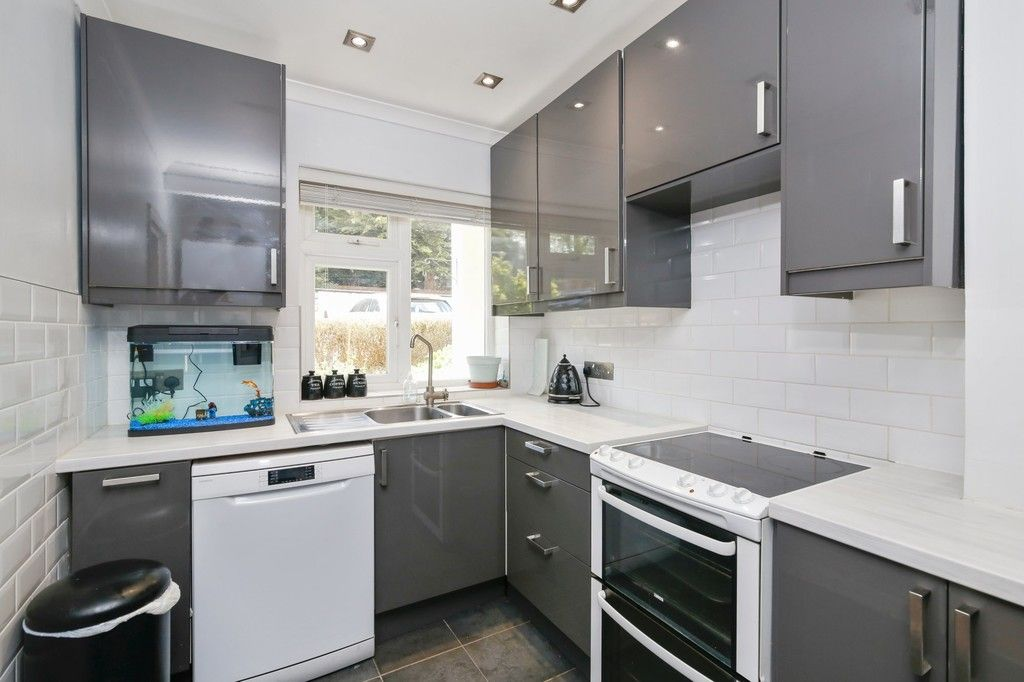 2 bed flat for sale in Manor Road, Sidcup, DA15  - Property Image 3