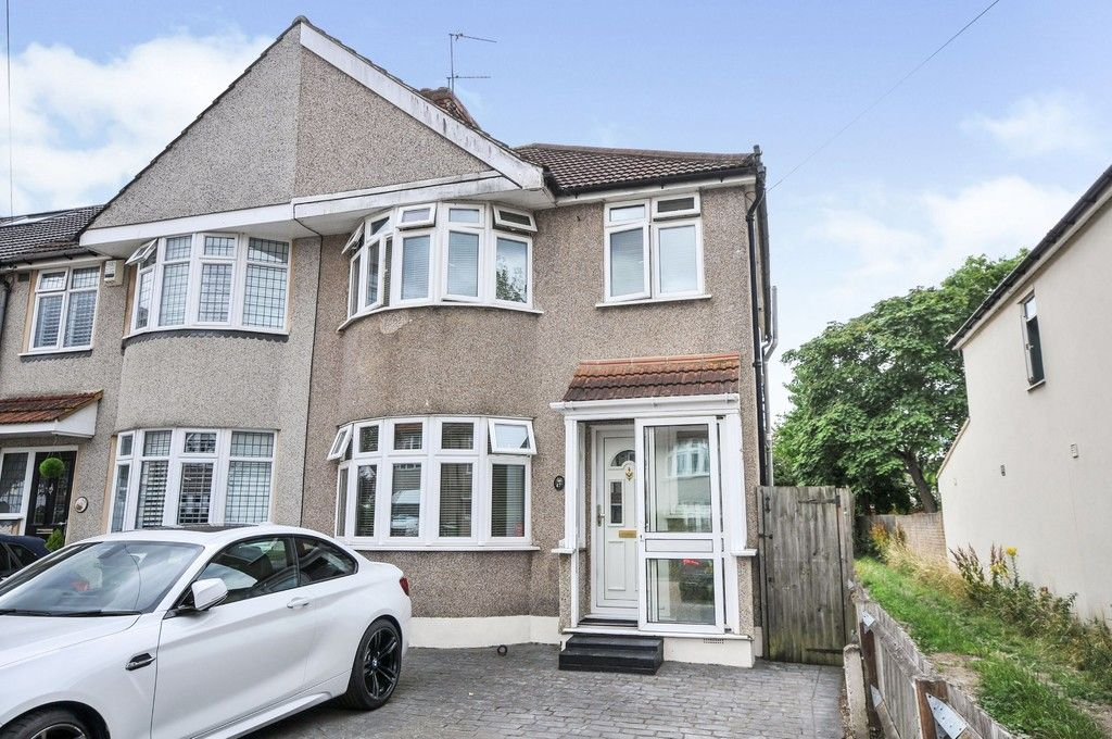 4 bed house for sale in Pinewood Avenue, Sidcup, DA15, DA15