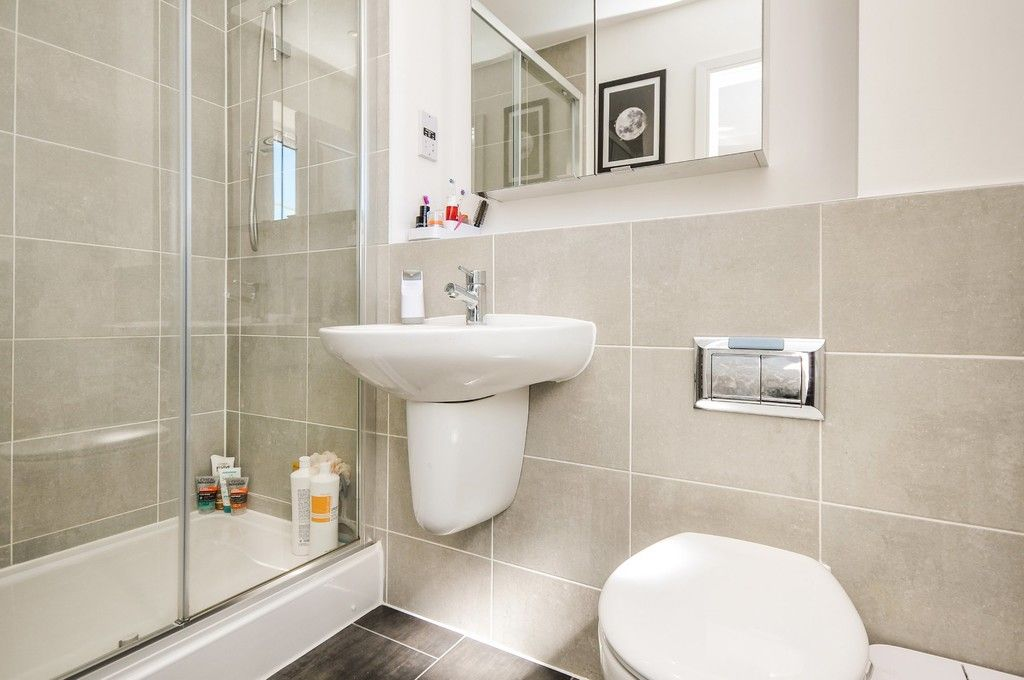 3 bed house for sale in Sun Marsh Way, Gravesend, DA12  - Property Image 11