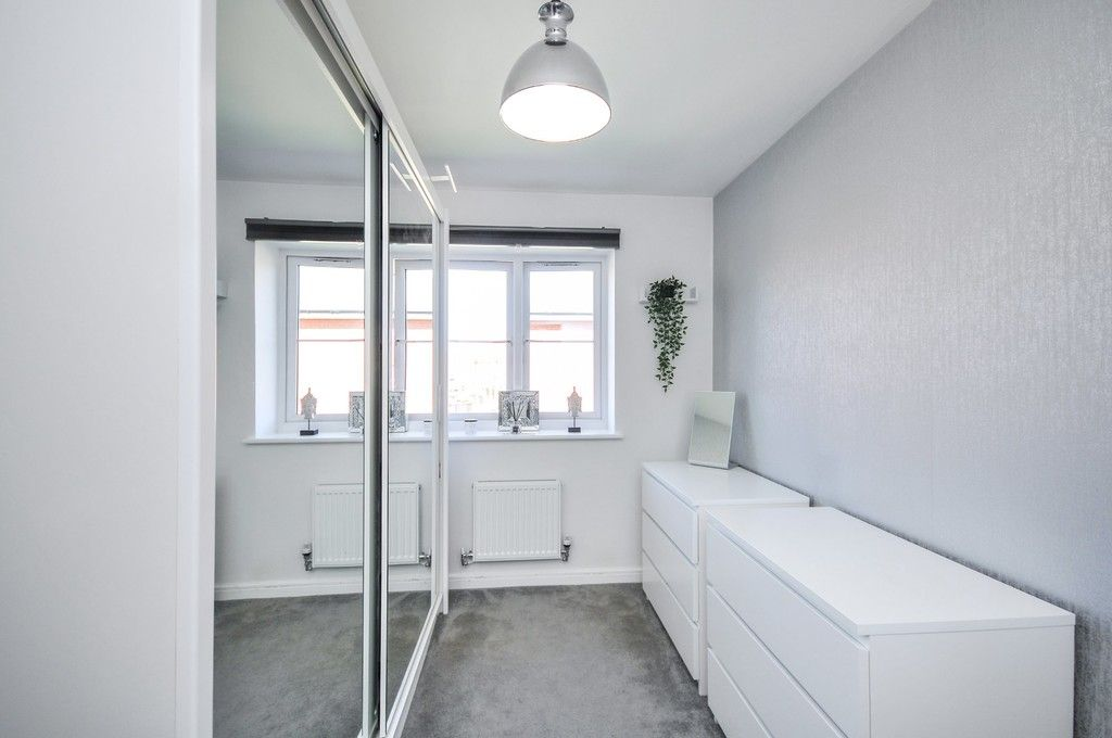 3 bed house for sale in Sun Marsh Way, Gravesend, DA12  - Property Image 14