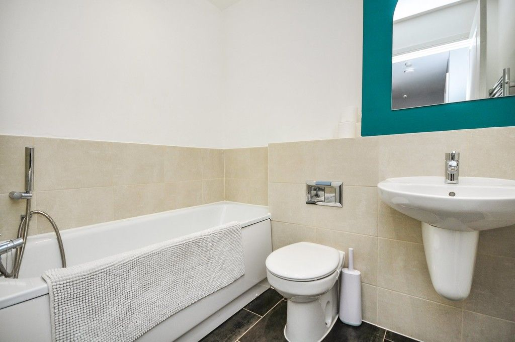3 bed house for sale in Sun Marsh Way, Gravesend, DA12  - Property Image 15