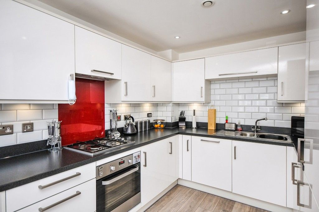 3 bed house for sale in Sun Marsh Way, Gravesend, DA12  - Property Image 18