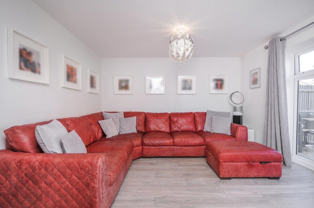 3 bed house for sale in Sun Marsh Way, Gravesend, DA12  - Property Image 5