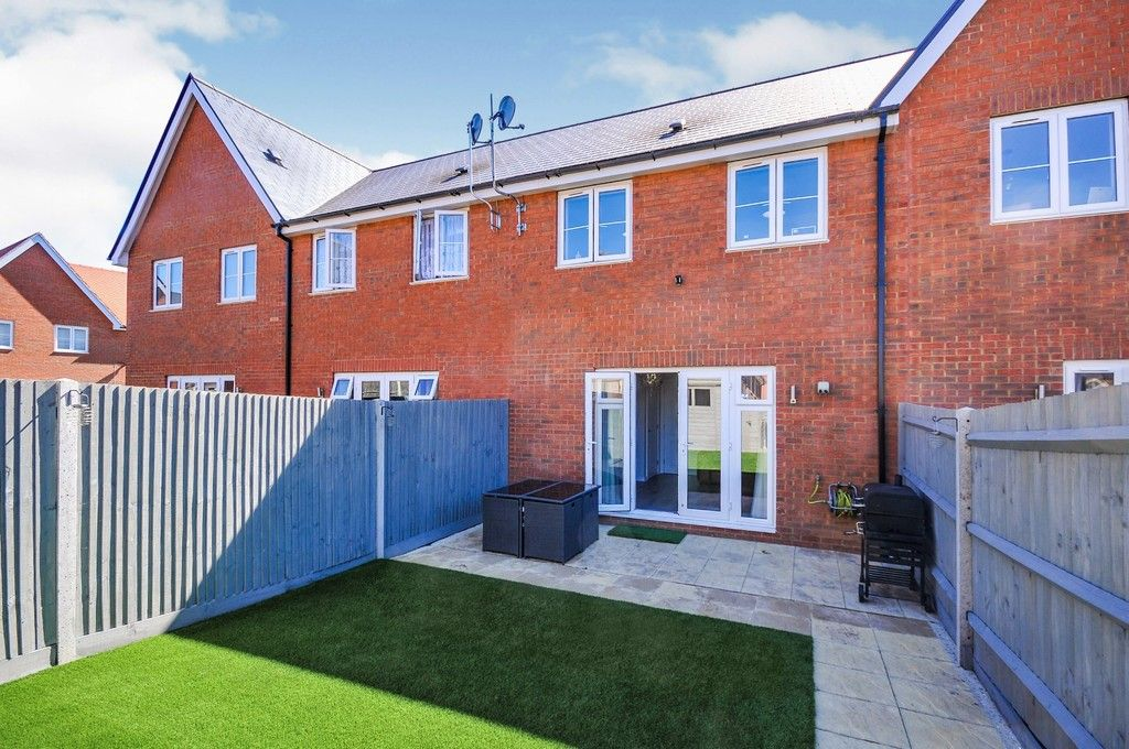 3 bed house for sale in Sun Marsh Way, Gravesend, DA12  - Property Image 8