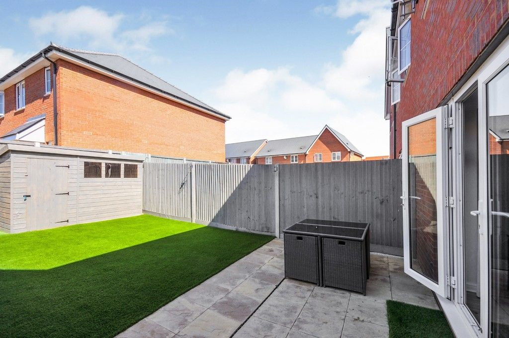 3 bed house for sale in Sun Marsh Way, Gravesend, DA12  - Property Image 9