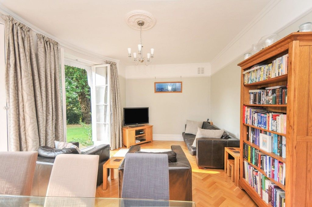 3 bed flat for sale in Rectory Lane, Sidcup, DA14  - Property Image 2