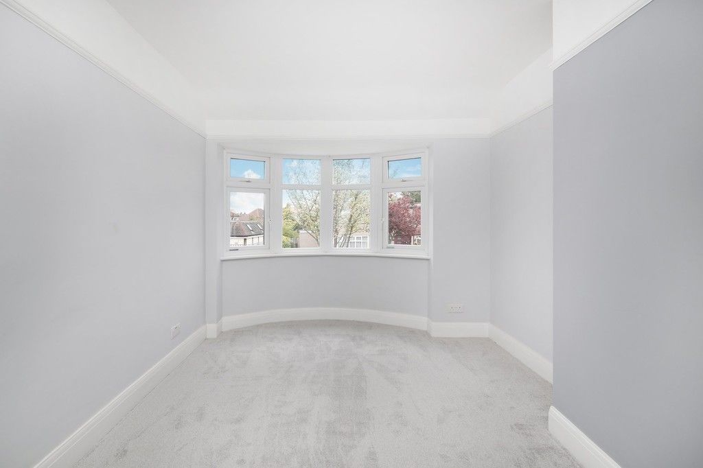 3 bed house for sale in Meadow View, Sidcup, DA15  - Property Image 3