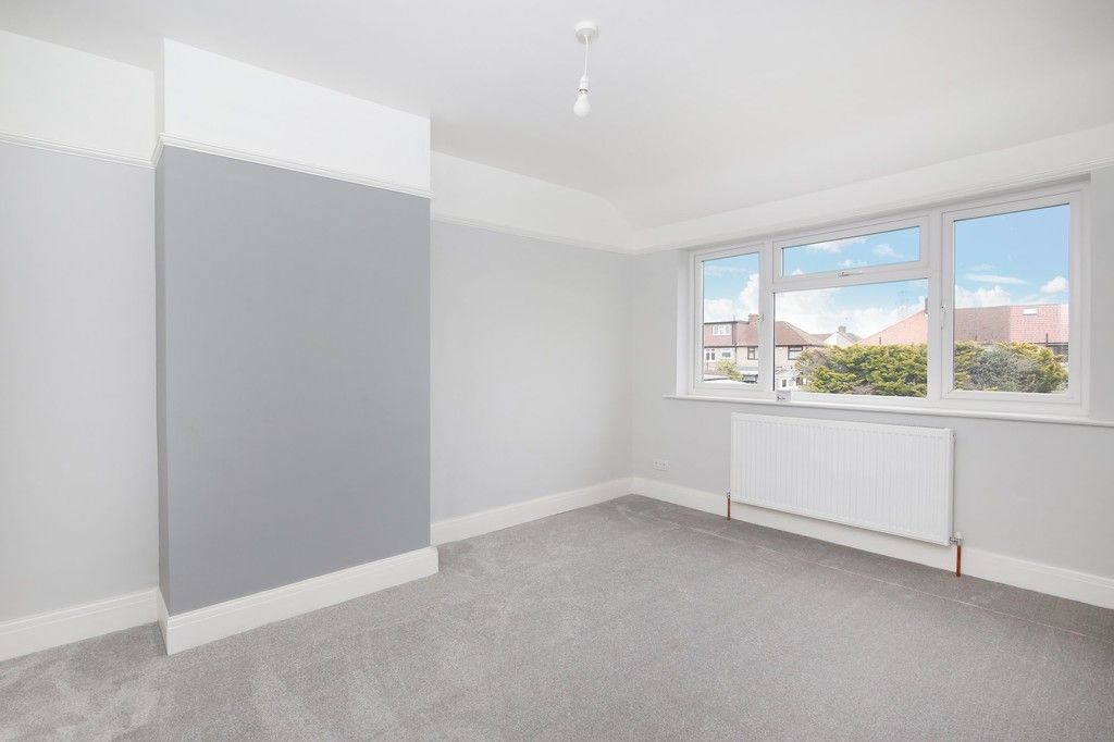 3 bed house for sale in Meadow View, Sidcup, DA15  - Property Image 4