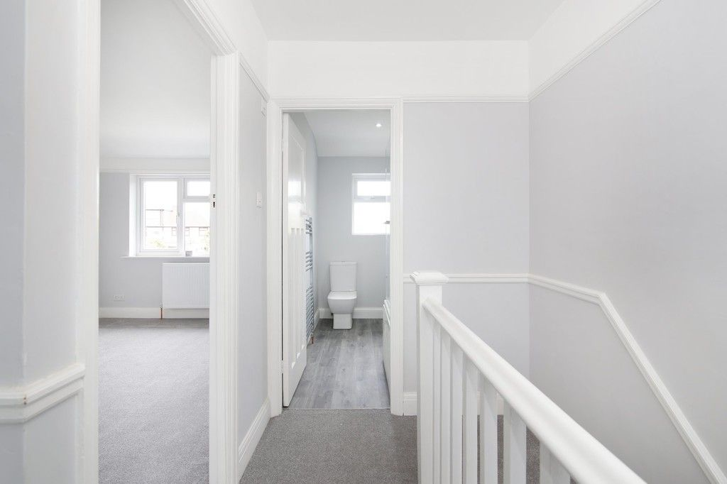 3 bed house for sale in Meadow View, Sidcup, DA15  - Property Image 7
